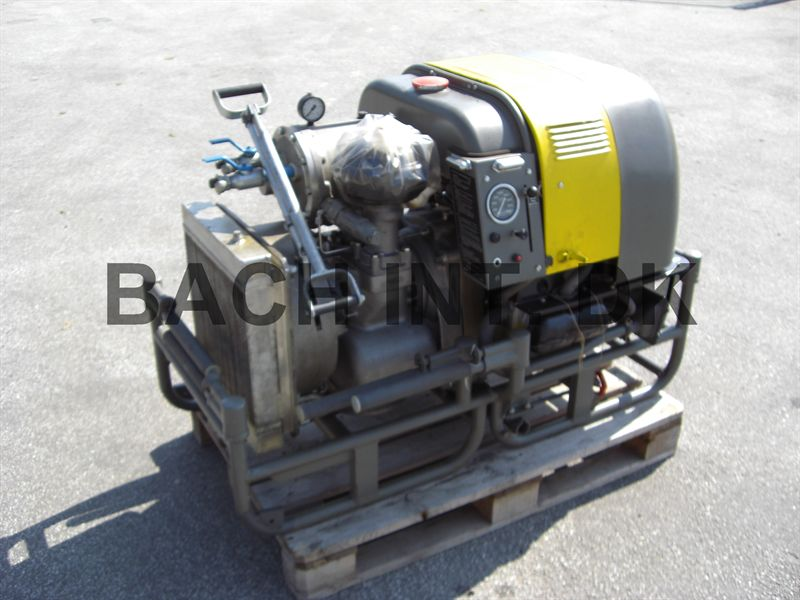 VW 1600 engine with air compressor